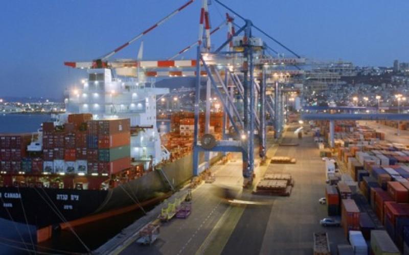 Cabotagem é essencial para logística brasileira, segundo especialista.